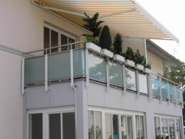 balkongel nder aus edelstahl aluminium und glas herstellung in deutschland nach din en 1090. Black Bedroom Furniture Sets. Home Design Ideas