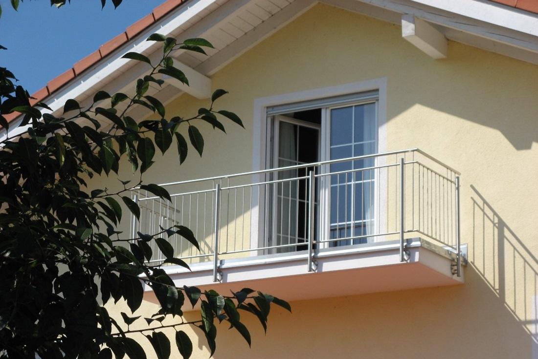 balkongel nder aus metall kreative ideen f r. Black Bedroom Furniture Sets. Home Design Ideas